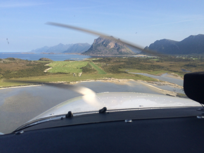 Engeløy Flyplass, Steigen, Nordland